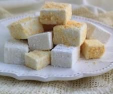 Recipe Vanilla Bean Marshmallows by Thermomix in Australia - Recipe of category Desserts & sweets (I took that photo and styled it while at Thermomix Australia :)) Lunch Box Recipes, Sweets Recipes, Great Recipes, Favorite Recipes, Baking Recipes, Recipe Ideas, Cooking Fails, Thermomix Desserts, Recipes With Marshmallows