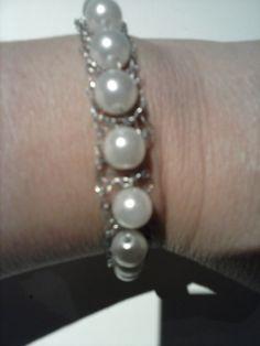 Pulsera de Hilo de Plata y bolas Beaded Bracelets, Diamond, Jewelry, String Bracelets, Balls, Silver, Jewlery, Jewerly, Pearl Bracelets
