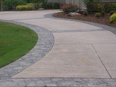calçada com concreto estampado