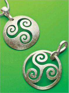 Sawing a Pierced Silver Pendant | InterweaveStore.com