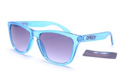 Oakley Frogskins Square Blue ATP #Oakley #SummerStyle Summer Fashions Fashion/