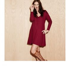 """Knot Sisters """"Claire"""" Dress, wine. Long Sleeve, V Neck, loose cut t-shirt dress."""