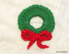 Ravelry: Christmas Wreath Ornament pattern by Becky Ferris