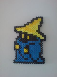 Final Fantasy Black Mage Perler Bead by l1vethedream on deviantART http://mistertrufa.net/librecreacion/culturarte/2014/05/01/hama-beads/