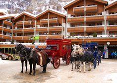 Horse-drawn carriages in Zermatt