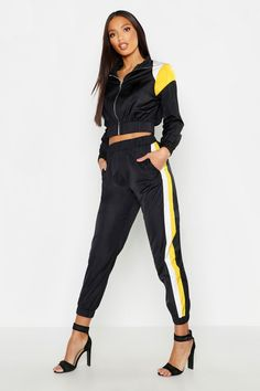 Sporty Outfits, Swag Outfits, Stylish Outfits, Color Blocking, Colour Block, Pop Fashion, Womens Fashion, Printed Palazzo Pants, Athleisure Wear