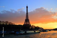 Travel in Clicks: Orange moment Tour Eiffel, Paris Skyline, Tower, In This Moment, Orange, Building, Travel, Voyage, Lathe