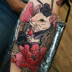 Find the perfect tattoo artist to create the work of art that is you Tattoo Word, Rat Tattoo, Insect Tattoo, Tattoo Ink, Mouse Tattoos, Mini Tattoos, Body Art Tattoos, Bio Organic Tattoo, Dragon Tattoo Arm