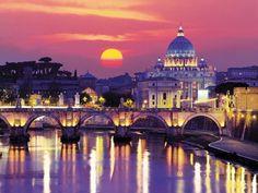 Lună sângerie peste Vatican şi Tibru