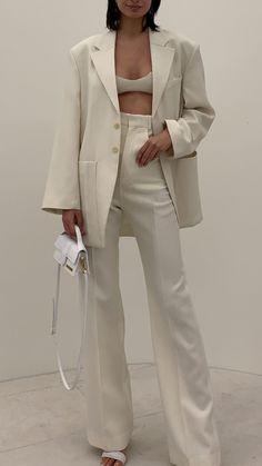 Style Fashion Tips .Style Fashion Tips Fashion Week, Look Fashion, High Fashion, Winter Fashion, Fashion Outfits, Fashion Design, Ski Fashion, Classy Fashion, Modest Fashion