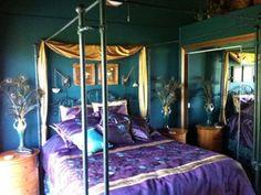 Peacock bedroom decor Peacock Bedroom Decor for the Extravagant Feelings