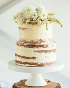 Two-tier naked wedding cake | http://www.bridestory.com/homestream/categories/wedding-cake/color/no-color/contents/works