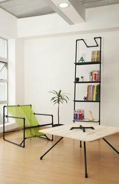 亜鉛メッキパイプによるシンプルな家具。