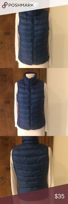 EUC WORN ONCE UNIQLO DOWN VEST TRULY ONE OF THE HOTTEST DOWN COMPANIES OUT THERE RIGHT NOW ! WELL PRICED - LIGHTEST WEIGHT IVE EVER FELT - KNOWN FOR THIS AND STILL EXTREMELY-WARM. MY PRICE IS FANTASTIC! So GET IT WHILE ITS COLD!! Uniqlo Jackets & Coats Vests