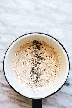 This french press chai latte recipe only takes 10 minutes, it's dairy free, it's refined sugar free, and a delicious pick me up! Yummy Drinks, Healthy Drinks, Yummy Food, Healthy Recipes, Hot Tea Recipes, Coffee Recipes, Breakfast And Brunch, Smoothies, Dairy Free