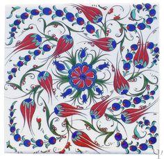 Iznik Tile - Quartz yurdan.com Turkish Tiles, Turkish Art, Turkish Kilim Rugs, Islamic Patterns, Tile Patterns, Clay Tiles, Tile Art, Native American Art, Islamic Art