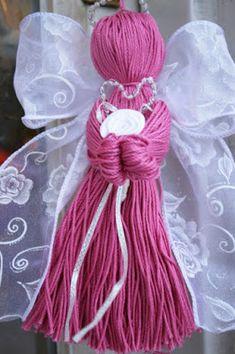 Crochet thread and ribbon angel 3