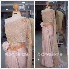 ชุดไทย ชุดไทยเจ้าสาว ชุดไทยแต่งงาน   Thai wedding dress Thai traditional dress https://th-th.facebook.com/besilkthai/