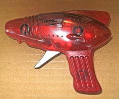 """1970'S """"SPARKING SPACE"""" RED PLASTIC TOY RAY GUN"""