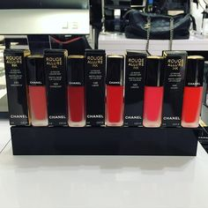 #makeupmonday Got to preview and try on @luciapicaofficial Fall 2016 Le Rouge Collection N1 shipping to stores soon. Can't wait to try these new @chanelofficial Rouge Allure Ink Matte Liquid Lip Colours on my clients! It's got a smooth and lasting finish  ___ #lifeofamakeupartist #chanel #chanelmakeup #rougeallure #matte #mattelip #liquidlipstick #lipcolor #makeupaddict #chanellover #chaneladdict #ilovechanel #beauty #cosmetics #instabeauty #bloomingdales #makeupbymimitran #makeup…