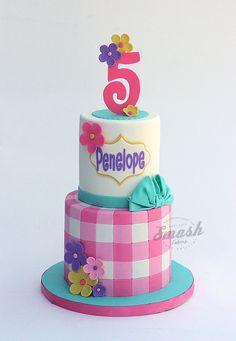 picnic-themed 5th birthday cake