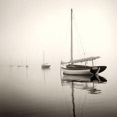 Michael Kahn is a sailing and seascape photographer using traditional black and white film. View his amazing sailboat photography here in portfolio format.