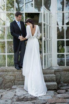 Eleganckie i proste suknie ślubne
