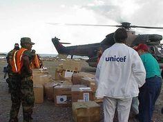 @Regrann from @unicefvenezuela - Estamos de aniversario!  #AsíTrabajamos En estos 25 años en Venezuela UNICEF ha apoyado al país en situaciones de emergencia como en la tragedia de Vargas en 1999 y las inundaciones de 2005. En ambos casos UNICEF brindó apoyo psicosocial a población afectada especialmente a niños niñas y adolescentes; y distribuyó insumos de higiene y algunos enseres a miles de personas así como útiles escolares a los estudiantes. - #regrann