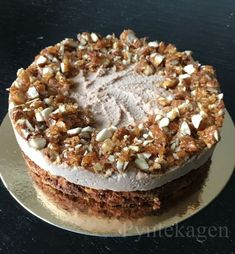 1 person, dessert and foodYou can find Vegan pumpkin and more on our person, dessert and food Party Desserts, No Bake Desserts, Cake Cookies, Cupcake Cakes, Cupcakes, Danish Cake, Vegan Pumpkin, Sugar And Spice, Yummy Cakes
