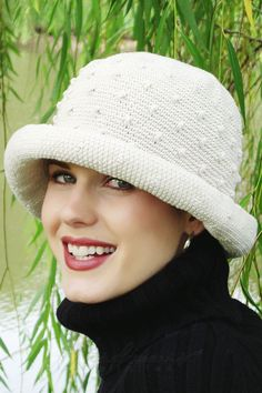 Cotton Kathleen hand crocheted hat in cream for cancer patients