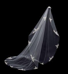 #pnina_tornai veil style no. 3002