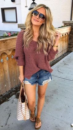 Cute cable knit sweater and ripped jeans shorts make for a perfect summer outfit. - Cute cable knit sweater and ripped jeans shorts make for a perfect summer outfit 👀 Source by staciakruzan - Mode Outfits, Short Outfits, Stylish Outfits, Cute Summer Outfits, Fall Outfits, Summer Shorts, Casual Summer Outfits With Jeans, Summer Clothes, Women Casual Outfits