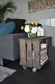 Here we are with another DIY solution that you will love. We will present you DIY projects with wooden crates. They are so simple to be made and at the sam (Diy Deco Recup) Decor, Wood Crates, Wood Diy, Home Projects, Home Deco, Interior, Home Decor, Pallet Furniture, Furniture