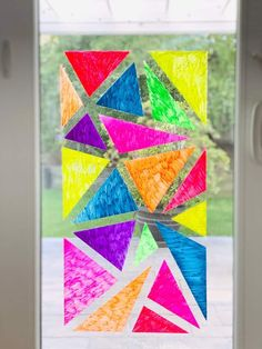 This beautiful Window Chalk Mosaic Art is a creative way for kids to paint on windows and show off unique tape resist art. Painting For Kids, Diy Painting, Art For Kids, Fun Arts And Crafts, Bead Crafts, Kids Crafts, Mosaics For Kids, Creative Activities For Kids, Kid Activities