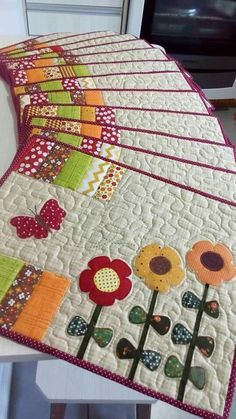New patchwork patterns place mats ideas Mug Rug Patterns, Patchwork Patterns, Patchwork Bags, Patchwork Quilting, Quilt Patterns, Table Runner And Placemats, Quilted Table Runners, Small Quilts, Mini Quilts