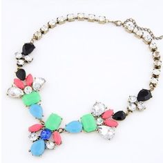 Statement necklace. Beautiful statement necklace. Super cute with a denim button up or sweater. Jewelry Necklaces
