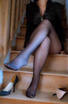 Nice Black Pantyhose And Full 28