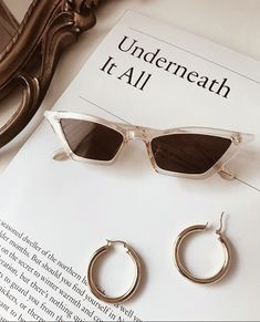 best Spring and Summer Sunglasses Trends for Trending Sunglasses, Cute Sunglasses, Summer Sunglasses, Cat Eye Sunglasses, Sunnies, Sunglasses Women, Jewelry Accessories, Fashion Accessories, Cool Glasses