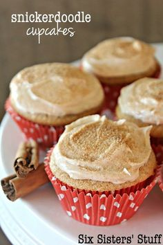 Snickerdoodle Cupcakes on SixSistersStuff