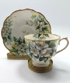 Tea Cup Set, Tea Cup Saucer, Tea Sets, Teapots And Cups, Teacups, Cup And Saucer Crafts, Coffee Cup Design, Antique Tea Cups, Coffee Pictures