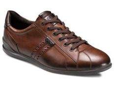 9 Great All Occasion Travel Shoes for Men: ECCO Chander Sneaker