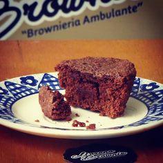Tarde acompañada de un delicioso Cupcake brownie de #morenobrownie  #brownieriamorenobrownie#broenieriaambulante#brownies#toppings#chocolate#cacao#chocolatelover#coffee#repostería#artesanal#creativa#emprendimiento#homebaking#homemadefood#foodclean#foodbike#bike#lovebike#ideas#motivation#bogotá#teusaquillo#colombia