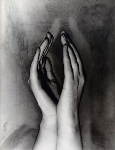 Solarised Hands c.1933 by Erwin Blumenfeld.