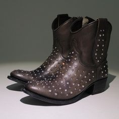 boots with cristal studs