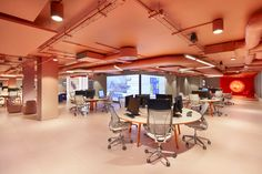 PENSON have collaborated with Great Ormond Street Hospital to deliver a space dedicated to accelerated research and evaluation of new AI-enabled technology. Hospital Design, Open Plan, Design Projects, Innovation, Interior Design, Street, Workspaces, Color, Nest Design
