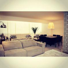 Apartamento usando papel de parede Marcelo Rosembal