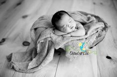 Toronto Newborn Photographer | Featured Photography Session