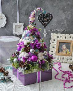 Christmas Booth, Cone Christmas Trees, Xmas Tree, Christmas Holidays, Christmas Crafts, Shabby Chic Christmas Ornaments, Handmade Christmas, Candy Decorations, Christmas Decorations