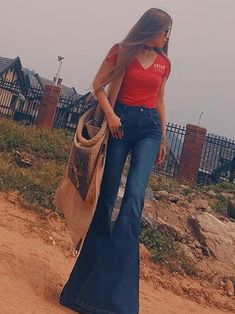cute easy going out outfits 70s Fashion, Denim Fashion, Womens Fashion, Spring Fashion, Bell Bottom Pants, Bell Bottoms, Boho Outfits, Cute Outfits, Disco Outfits