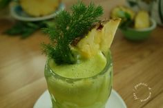 Centrifugato saziante e drenante | ananas sedano finocchio